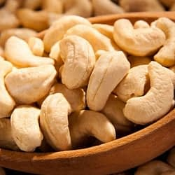 Sanam CASHEW NUTS 700G
